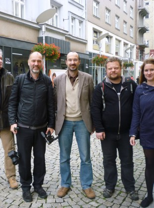 Tadeáš Goryczka, Carsten Krohn, Michele Stavagna, Martin Strakoš, Eva Tomečková s OD Bachner v pozadí.